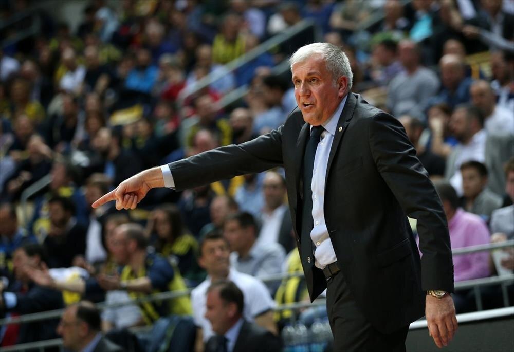 Avrupa basketbolunun en iyi başantrenörü olarak gösterilen Obradovic, 4 farklı takımla 8 kez Euroleague şampiyonluğu yaşadı.