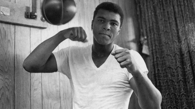 LeBron James'ten Muhammed Ali sergisine 2,5 milyon dolar