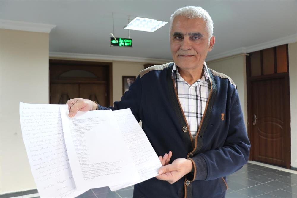 Emekli matematik öğretmeni 59 yaşındaki Aydın Cerit´in hazırladığı soruları sadece 3 kişi bildi.