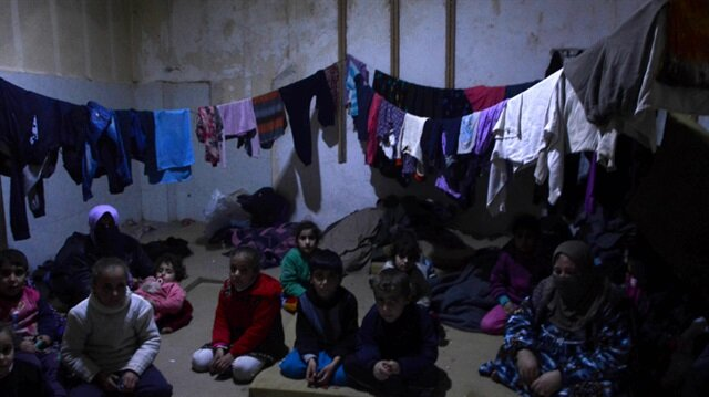 آلاف التركمان العراقيين ينزحون من تلعفر لأعزاز آملاً في اللجوء لتركيا