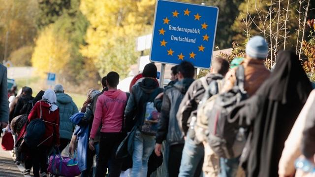 Almanya-Avusturya sınırında 24 saat nöbet tutulacak