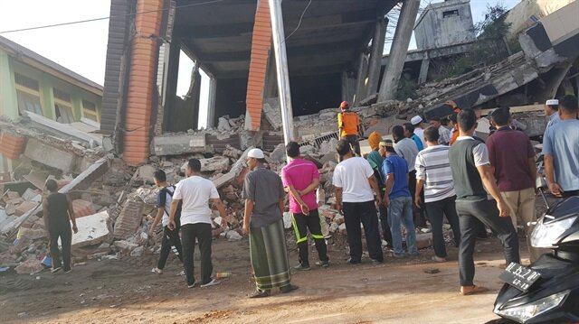 Indonesia: At least 52 dead after quake rocks Aceh