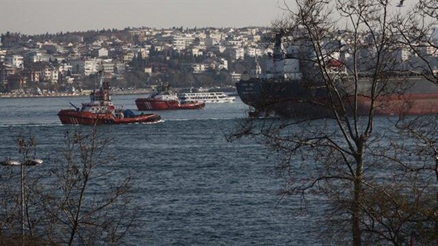 Gemi arızası İstanbul Boğazı'nda trafiği durdurdu