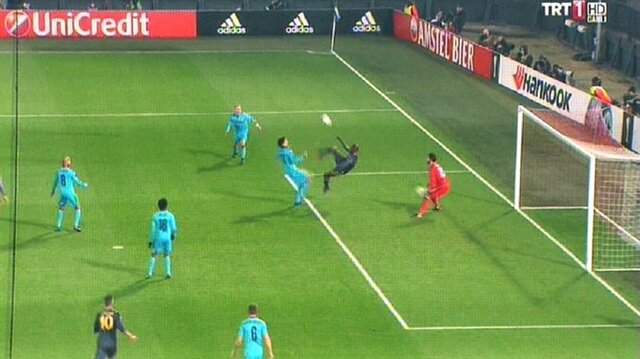 Sow'dan Feyenoord'a da röveşata