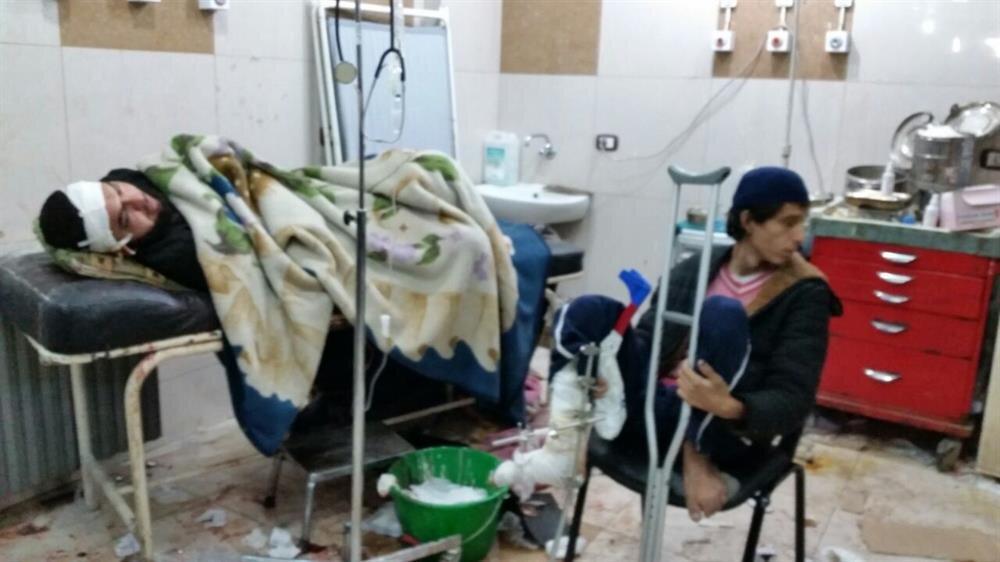 Halep'ten tahliye edilen yaralı konvoyuna Esed rejimi ve İranlı milislerin açtığı ateş sonucu yaralanan Halepliler hastaneye kaldırıldı