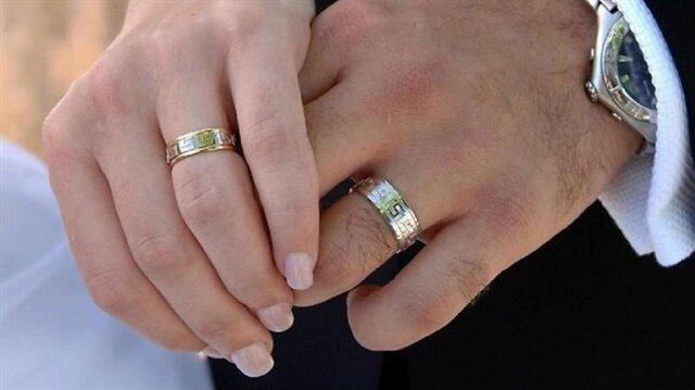 Evlenenlere ve ilk evini alanlara devlet katkısının kapısı açıldı.