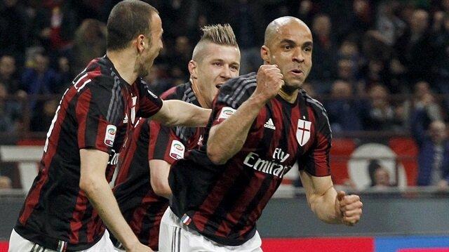 Alex, geçen sezon Milan formasıyla 25 maça çıkarken 3 gol attı ve 1 asist yaptı.