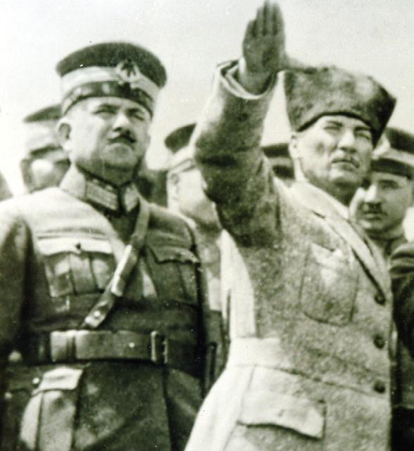 İki figür, iki tarih: Kâzım Karabekir ve Mustafa Kemal İstiklal Savaşı yıllarında beraberken...(Kâzım Karabekir Vakfı arşivi)