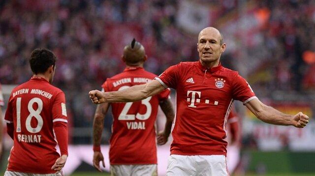 Robben sözleşmesini 1 yıl daha uzattı