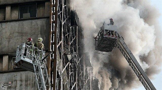 İran'da yangın çıkan 15 katlı bina çöktü: 30 ölü