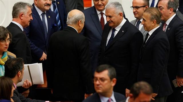 Başbakan Yıldırım'dan 'MHP'li bakan' yorumu: Kıskananlar mı var