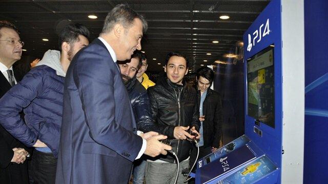 Fikret Orman <br/>FIFA oynadı