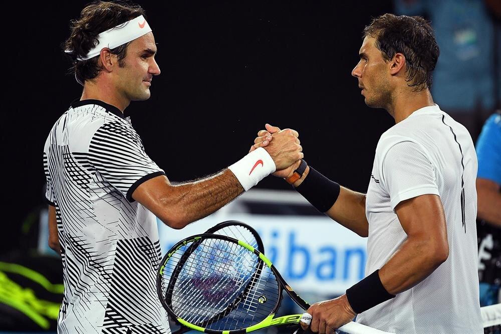 Nadal, 18. Grand Slam zaferini yaşayan Federer'i tebrik etti.