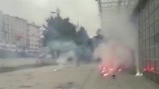 Taraftarlar belediye binasına saldırdı