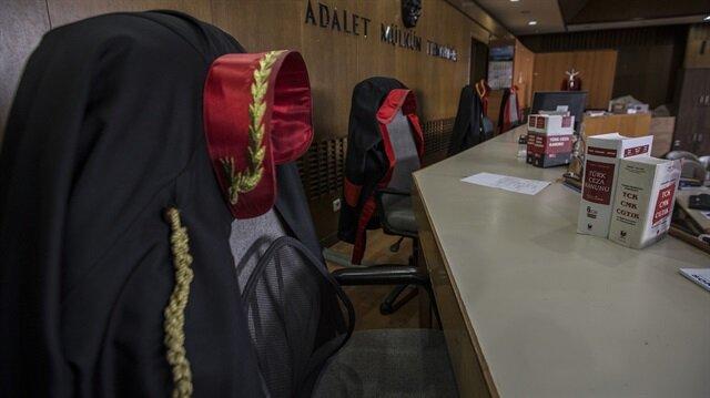 Gözaltına alınan Kırşehir Ağır Ceza Mahkemesi Başkanı, Bylock kullandığı gerekçesiyle açığa alınmıştı.
