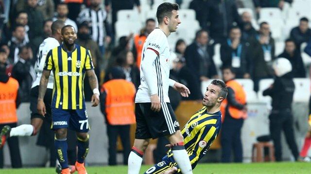 Fenerbahçe'den Van Persie tişörtü