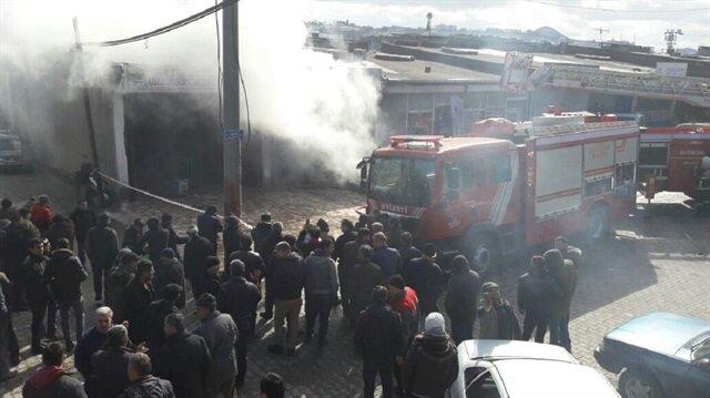 Ordu'nun Ünye ilçesinde bir iş yerinde çıkan yangın diğer dükkanlara sıçramadan kısa sürede söndürüldü.