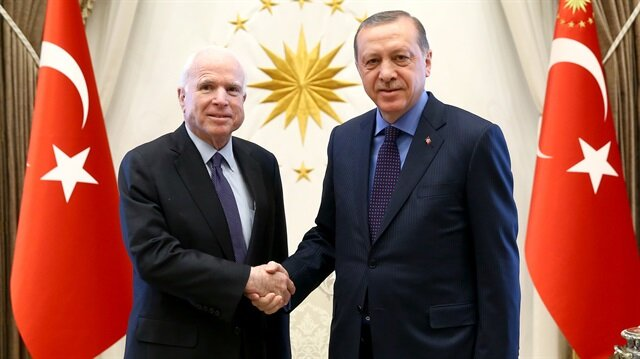 أردوغان يستقبل السيناتور الامريكي ماكين في أنقرة