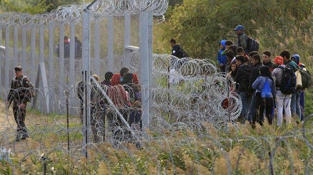 Macaristan sığınmacılara karşı yeni duvarlar örecek