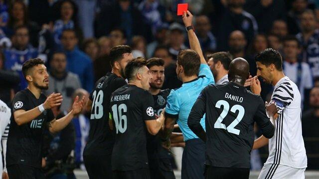 Porto'yu<br/>Telles yaktı