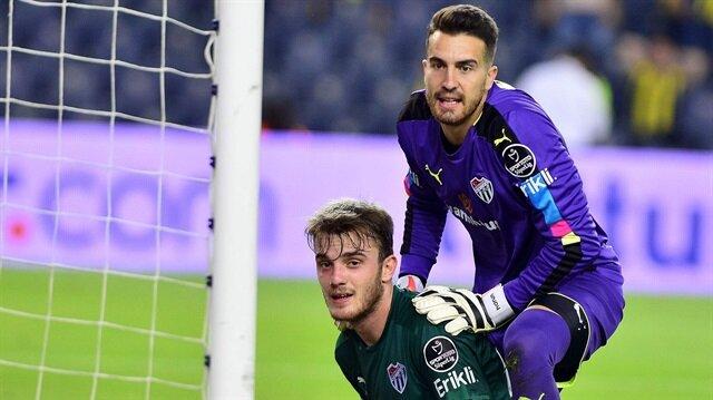 <a href='/bursaspor/'>Bursaspor</a>'un milli kalecisi Harun Tekin'in yaşanan olayların ardından takımdan ayrılmak istediği belirtildi.