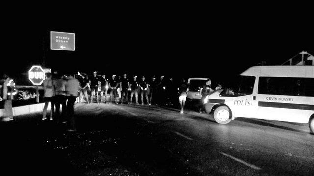 Isparta'da halkla el ele veren polis, askerlerin kenttençıkmasına izin vermemişti.