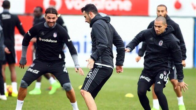 Derbi öncesi<br/>Beşiktaş'a sürpriz