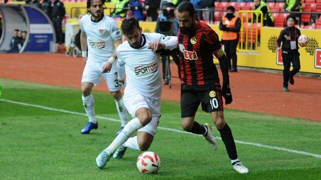 Eskişehirspor'da Erkan Zengin konusu çözülemiyor