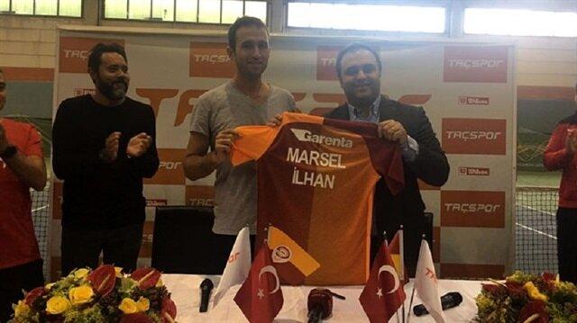 Galatasaray, 1987'de Özbekistan'da doğan ve 2004'te ailesiyle Türkiye'ye göçen İlhan, 2006'da Türk vatandaşlığına geçmişti.