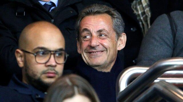 Nicolas Sarkozy Camp Nou stadından atıldı