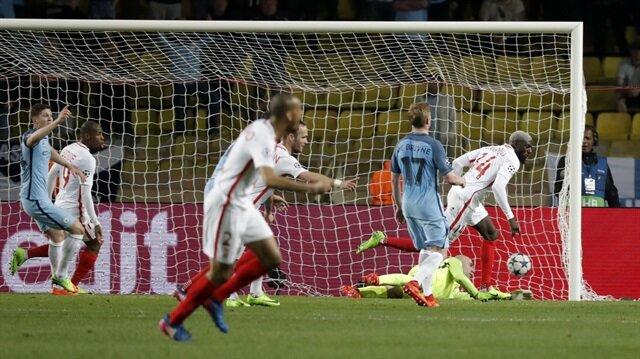Monaco için tarihi gece