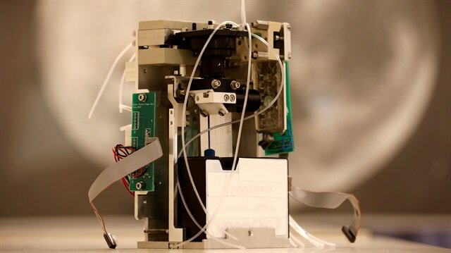 Miniature lab begins science experiments in outer space