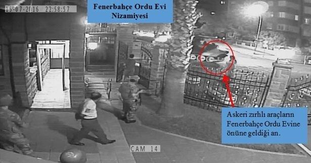 Askeri zırhlı aracın, Fenerbahçe Orduevi'nin önüne geldiği an kameralara yansıdı.