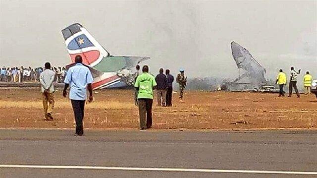Güney Sudan'da Fokker 50 tipi yolcu uçağı düştü.
