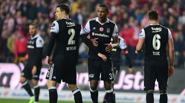 Abidal: Beşiktaş savaşarak oynamalı