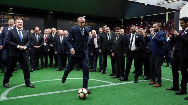 Cumhurbaşkanı Erdoğan penaltı attı