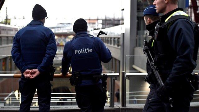 Belçika'da alarm: AVM'ye girmeye çalıştı