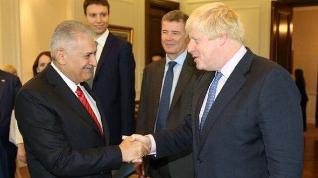 يلدريم يسقبل وزير الخارجية البريطاني في أنطاليا