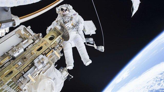 Astronauts complete 6.5-hour spacewalk