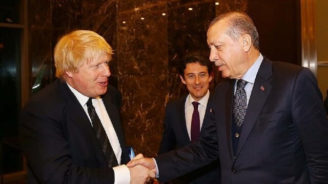 أردوغان يستقبل وزير الخارجية البريطاني بأنطاليا