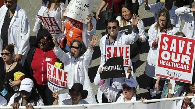 مظاهرة ضد تعديل قانون الرعاية الصحية تتحول لاحتفالية في شيكاغو الأمريكية