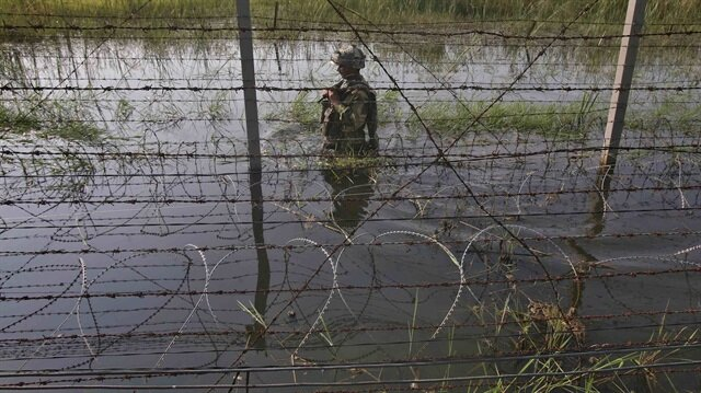 Pakistan says starts fencing Afghanistan border in 'high-threat zones'