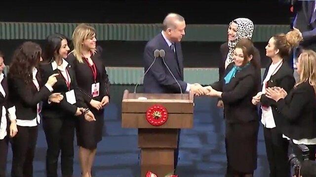 Erdoğan 'güzellik uzmanları' kararnamesini canlı yayında imzaladı