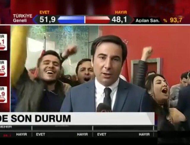 CHP Genel Merkezi'nde komik dakikalar