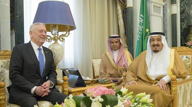 العاهل السعودي يبحث مع ماتيس تعزيز التعاون في المجال الدفاعي