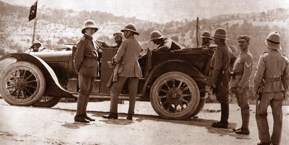 Kût'ul Amâre'de esir edilen ingiliz kuvvetlerinden bazı subaylar