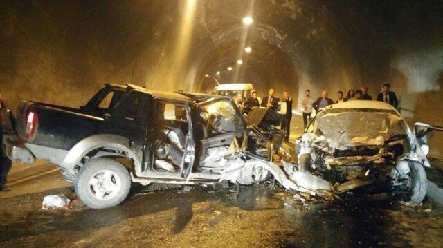Artvin'de feci trafik kazası: 3 ölü, 3 yaralı