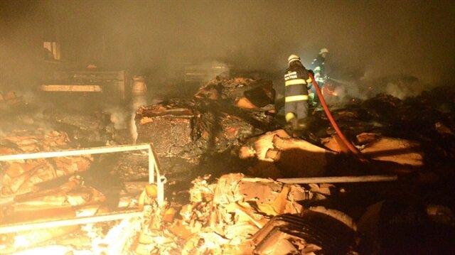 Eskişehir'de ambalaj fabrikasında henüz bilinmeyen bir nedenden ötürü yangın meydana geldi