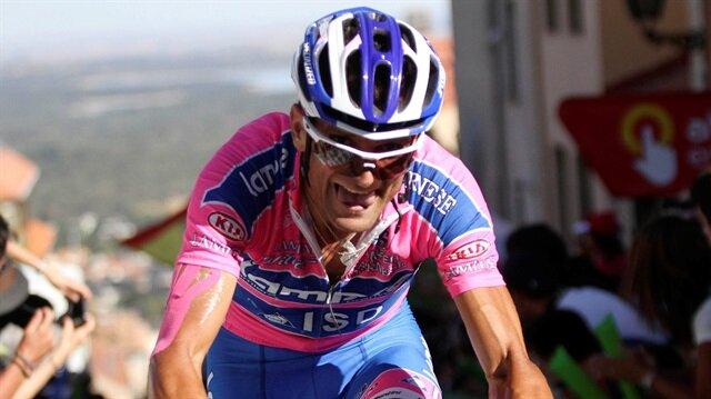 FILE PHOTO: Androni-Diquigiova team rider Michele Scarponi of Italy