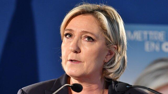 Paris saldırısı Le Pen'i Cumhurbaşkanı yapabilir